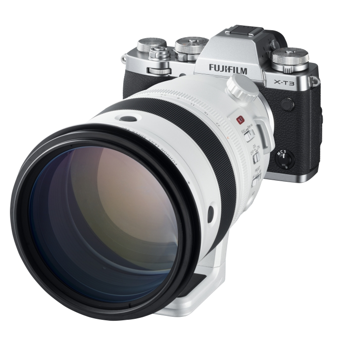 X-T3_Silver_LeftObl+XF200mmF2.jpg